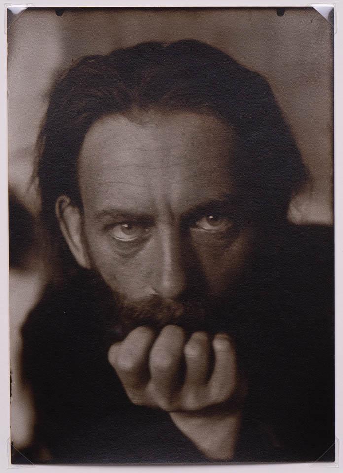 Tadeusz Langier, c. 1912odbitka żelatynowo-srebrowa na papierze fotograficznym, 17.8 x 12.7 cm